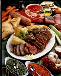 piatto-pronto-ingredienti-ciotola-salsiere-cucchiaini-oliera